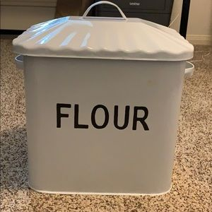 Other - ⚡️Flash Sale ⚡️ Metal flour decor